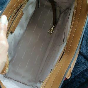 Michael Kors Bags - Michael Kors Selma - tan